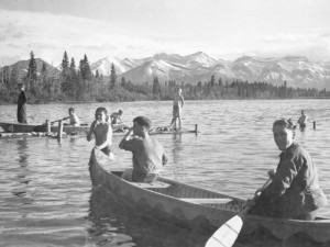 1940s-cch_canoeing